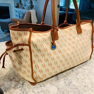XL Dooney and Bourke Tote / Overnight Bag